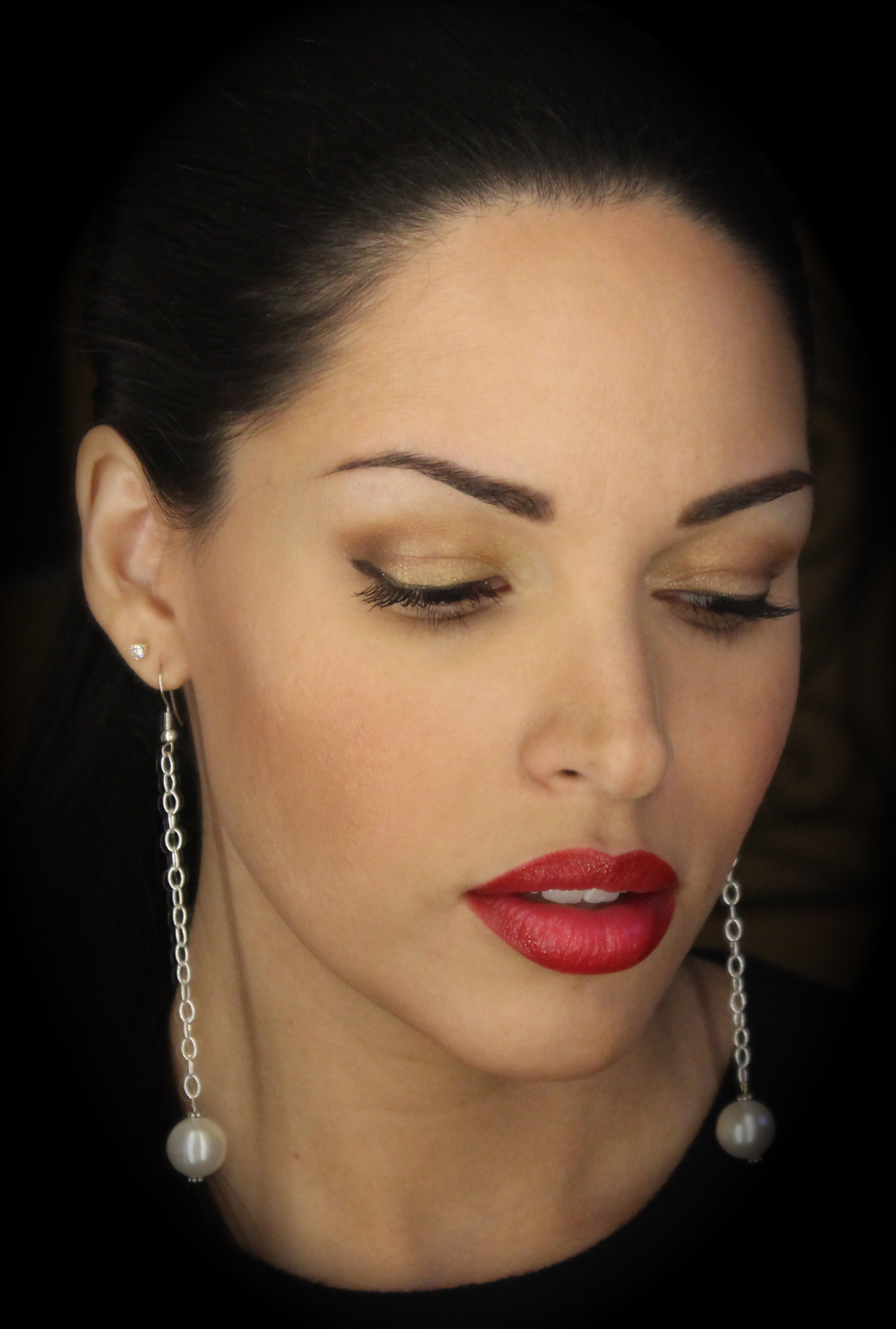 to wear - How to eyeshadow red wear video