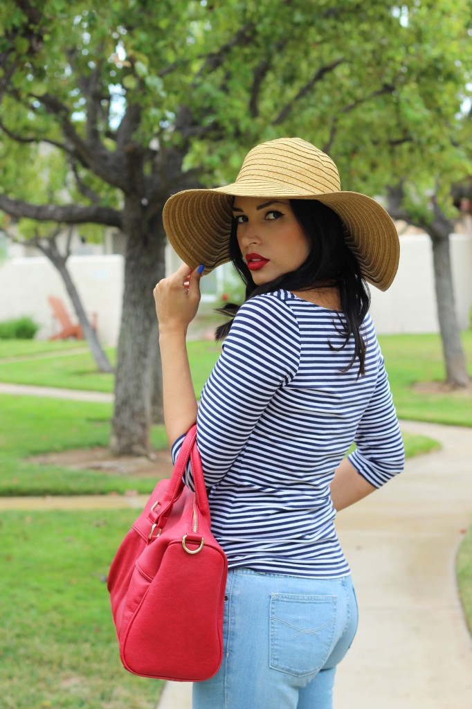 Gap Denim + A Floppy Hat